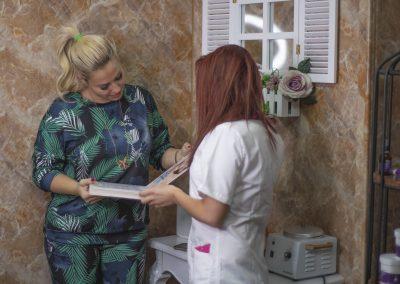 Професионалистите по лазерна епилация от Abi Beauty в София.